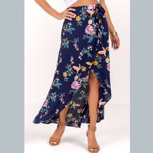 OFFERS? NWT FRANCESCA'S FLORAL MAXI SKIRT